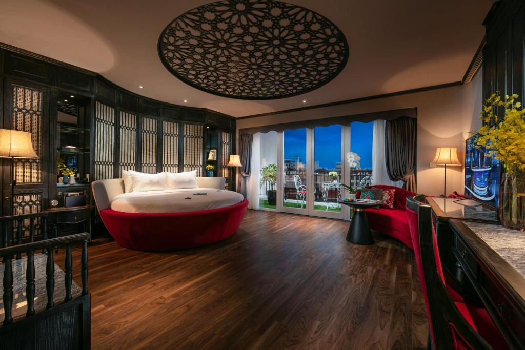 Shining Central Hotel Spa Hanoi Vietnam Booking Com