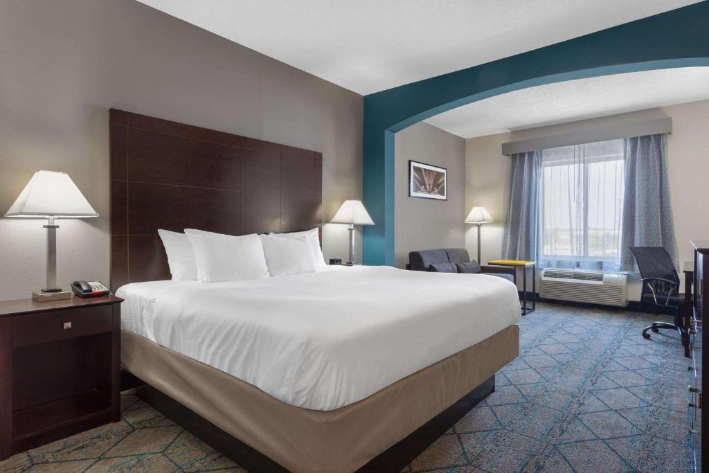 La Quinta Inn & Suites Columbus West - Hilliard