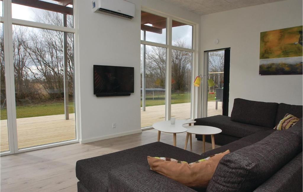 Four-Bedroom Holiday home Haderslev with a room Hot Tub 09