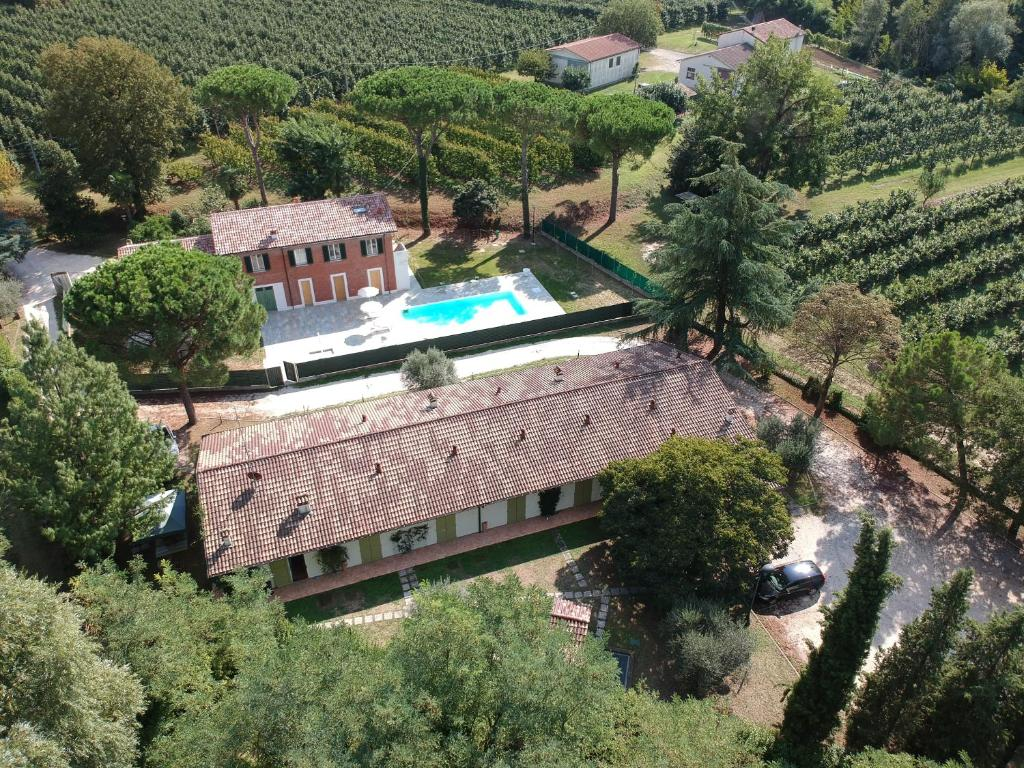 A bird's-eye view of Caterina Residence