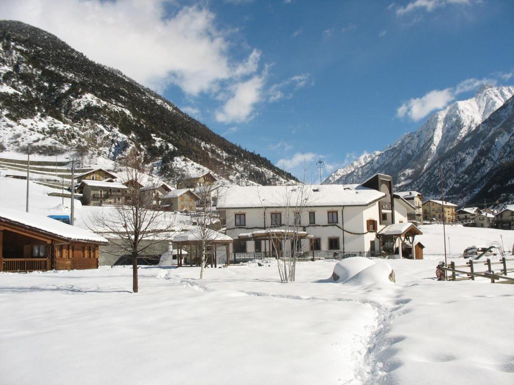 Hotel Le Lievre Amoureux Italia Valpelline Bookingcom
