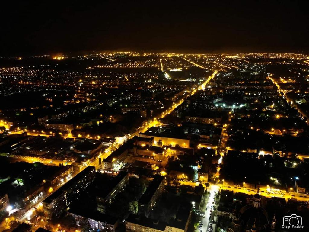 картинки мариуполь ночью объекты