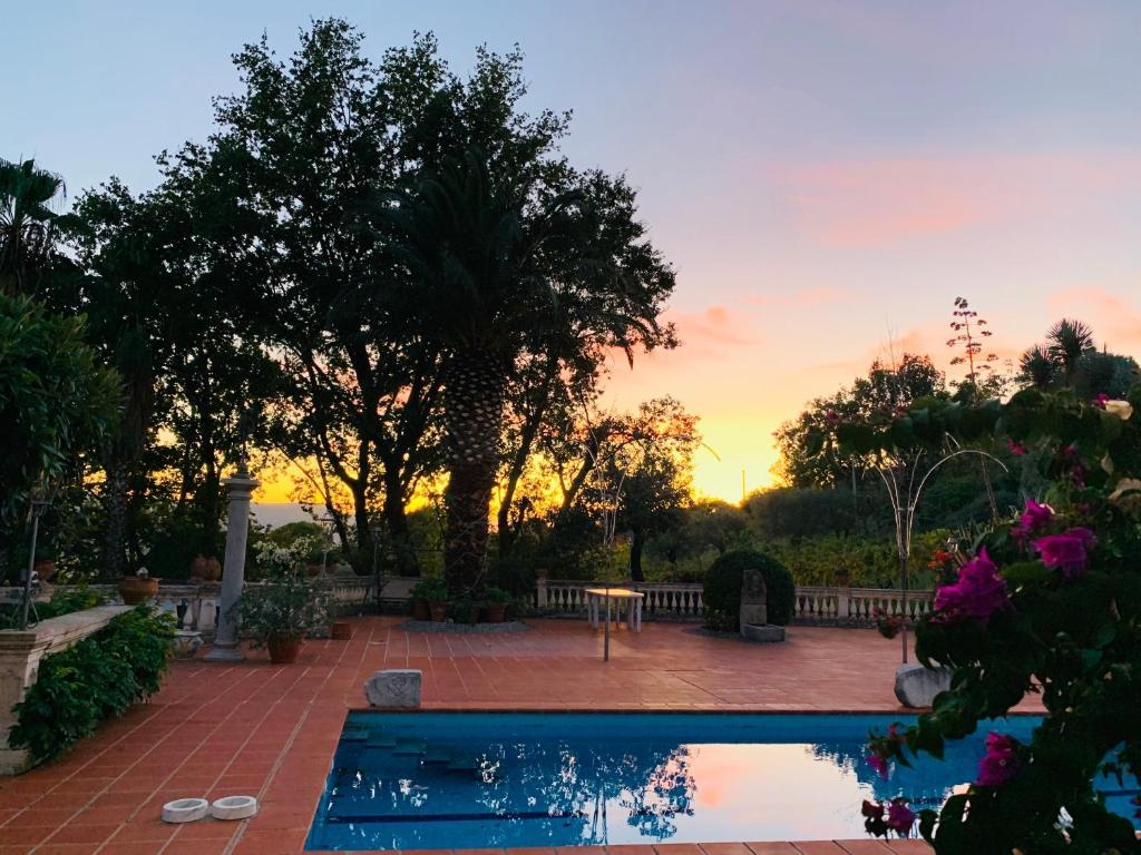 Giardini Da Incubo 2016 b&b giardino dionysos, giungano – prezzi aggiornati per il 2020