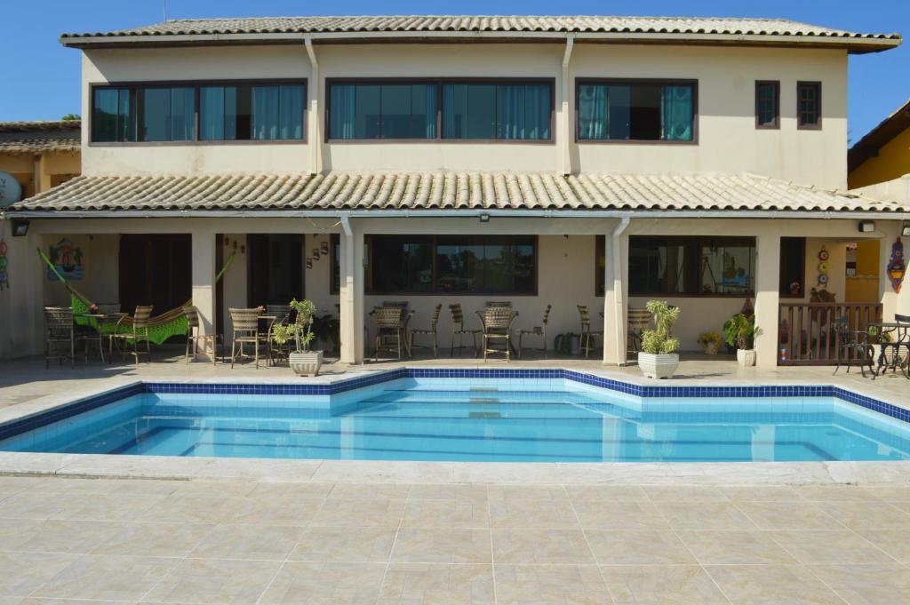 The swimming pool at or close to Ayres de Geribá