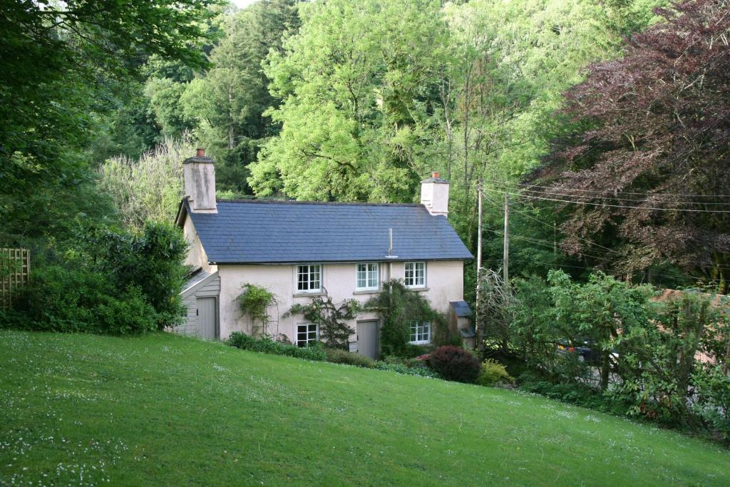 Ball Cottage in Winsford, Somerset, England