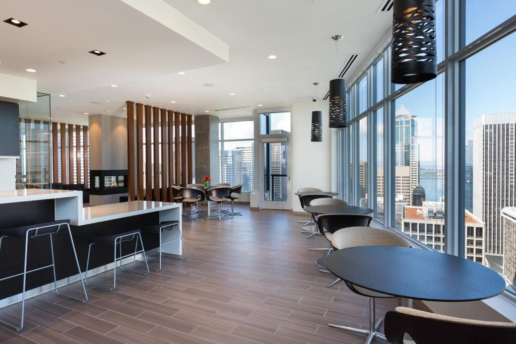 A restaurant or other place to eat at Luxe Hubs High Rise on Pine