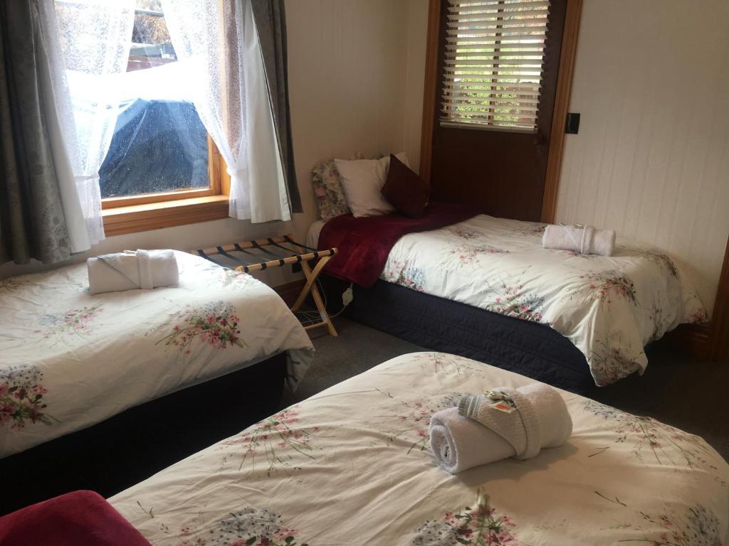 Settlers Cottage Motel