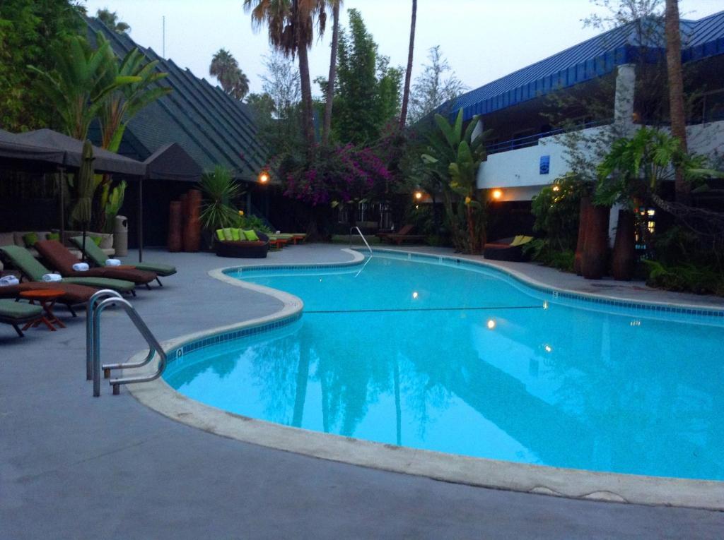 Hotel Current (USA Long Beach) - Booking.com