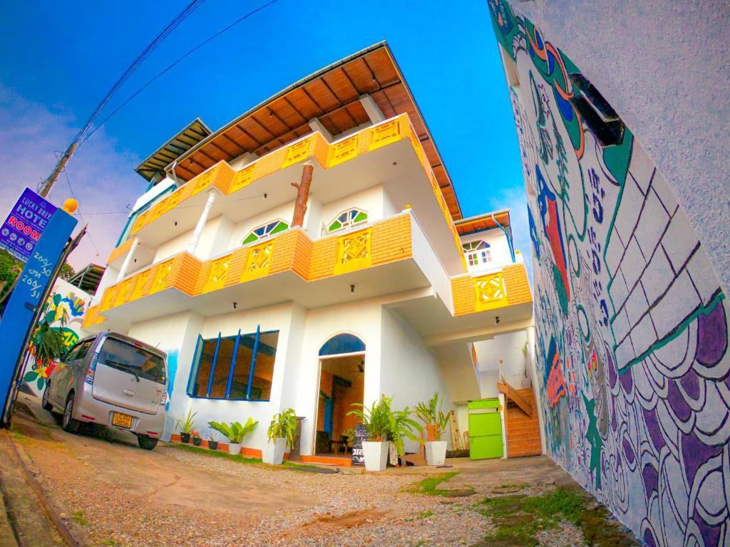 100 besplatnih stranica za upoznavanje iz Šri Lanke