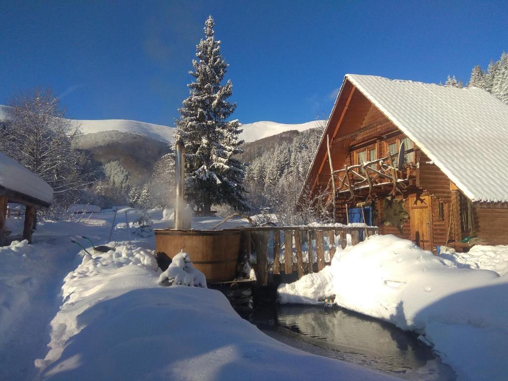 Картинки по запросу отель в горах украина