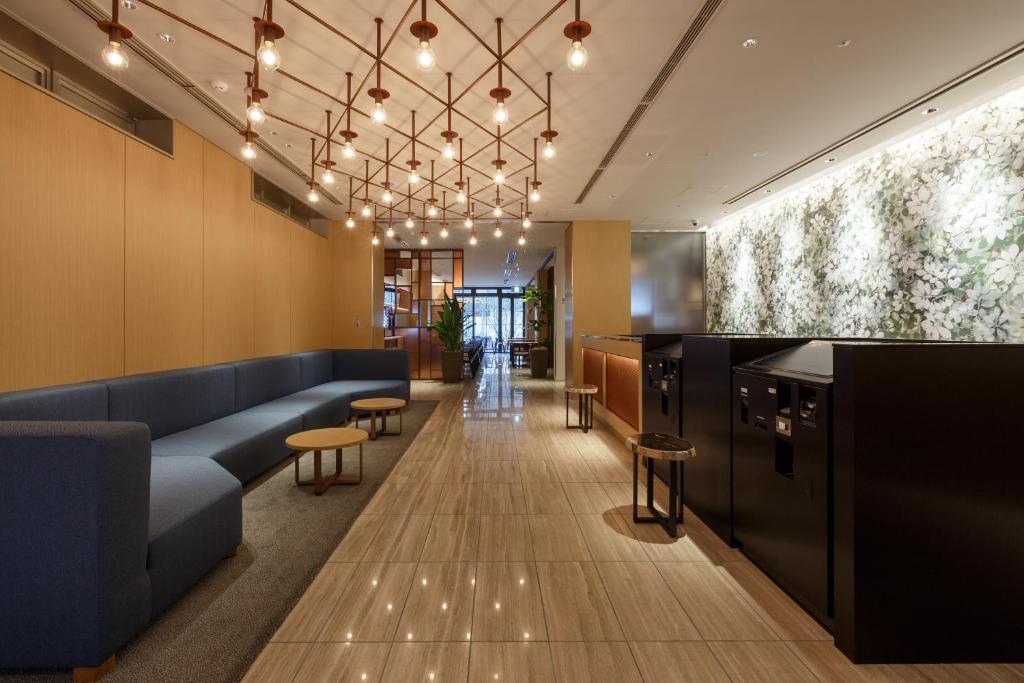 ล็อบบี้หรือแผนกต้อนรับของ Hotel Forza Osaka Kitahama