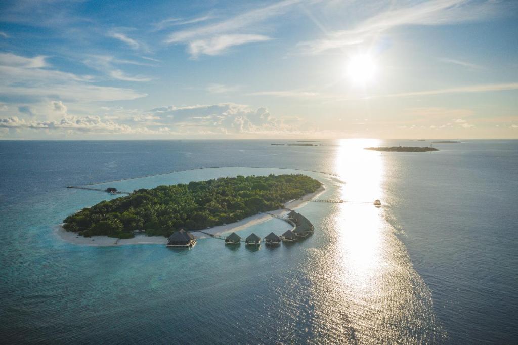 Resort Adaaran Select Meedhupparu -, Meedhoo, Maldives - Booking.com