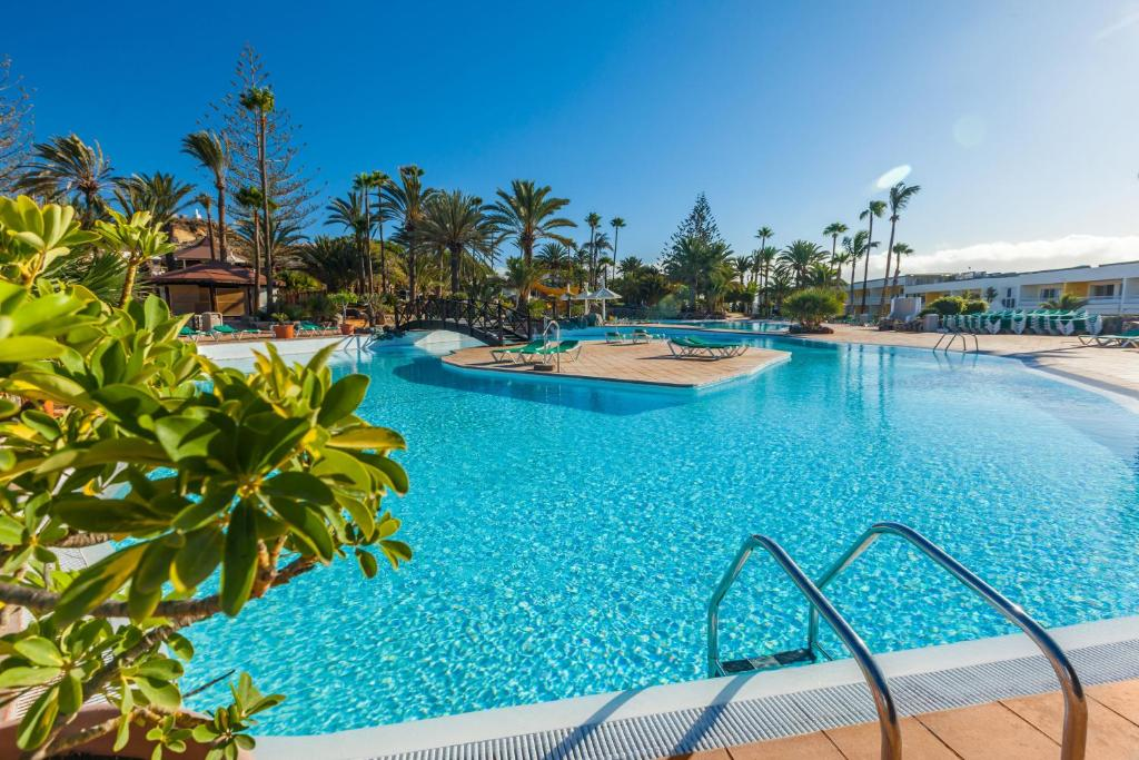 Het zwembad bij of vlak bij Abora Interclub Atlantic by Lopesan Hotels
