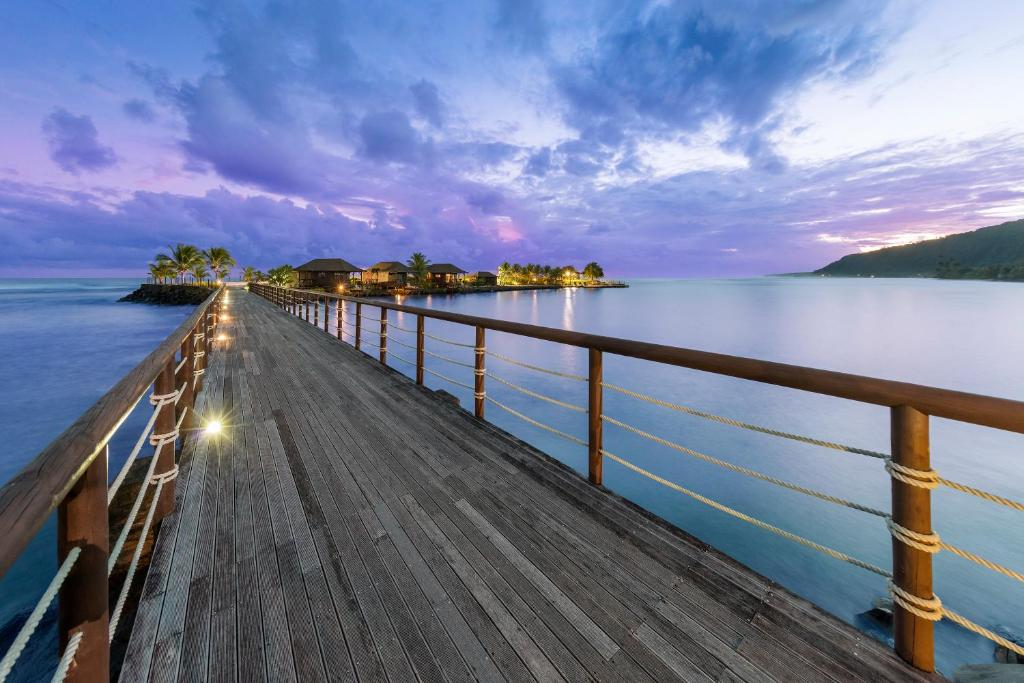 A balcony or terrace at Aga Reef Resort and Spa