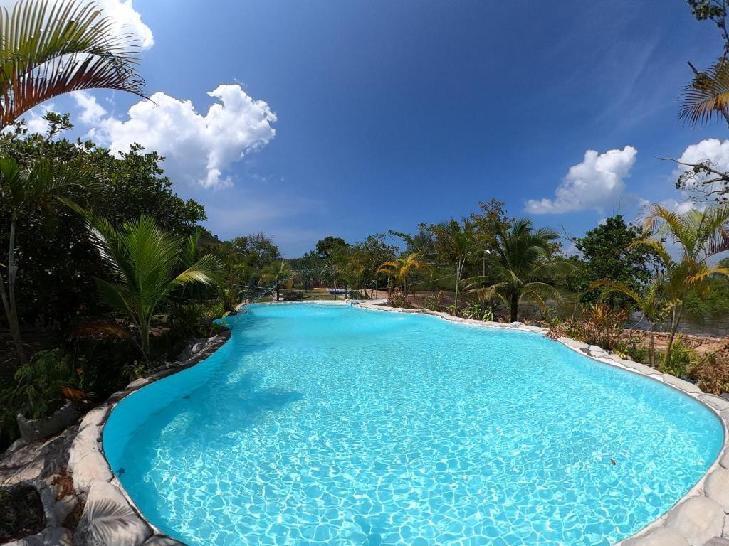 A view of the pool at Koh Pu Villa or nearby