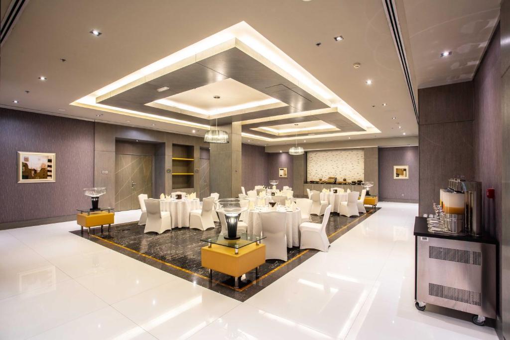 Time Grand Plaza Hotel Vae Dubai