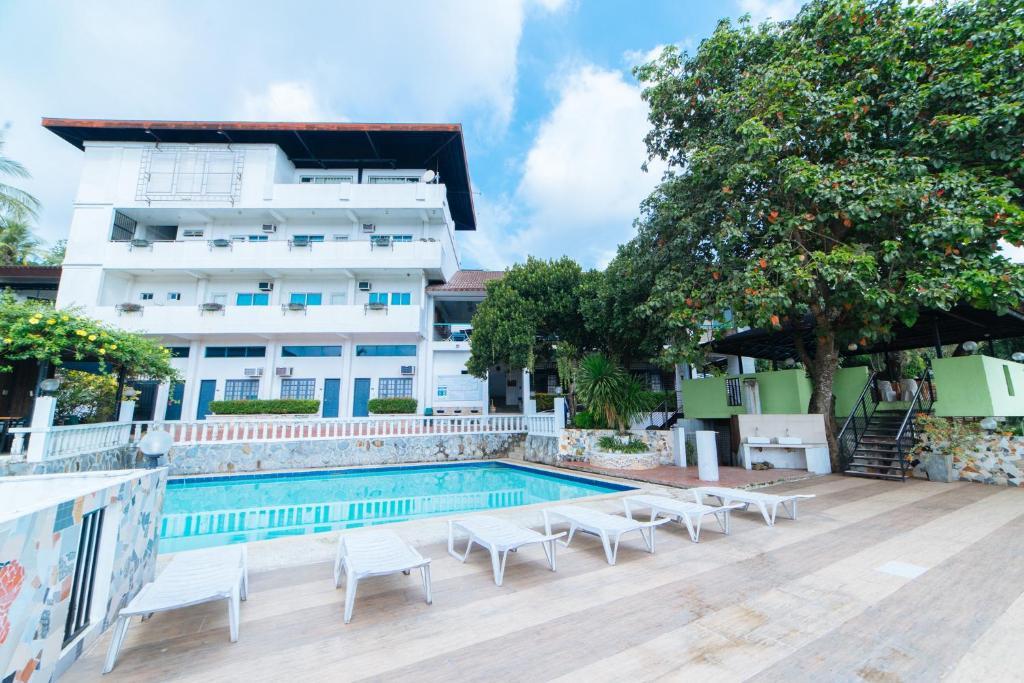 Hotel Reddoorz Plus Altaroca Antipolo Philippines