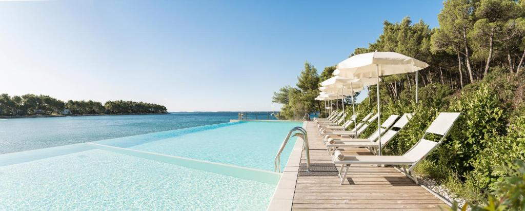 The swimming pool at or close to Crvena Luka Hotel & Resort