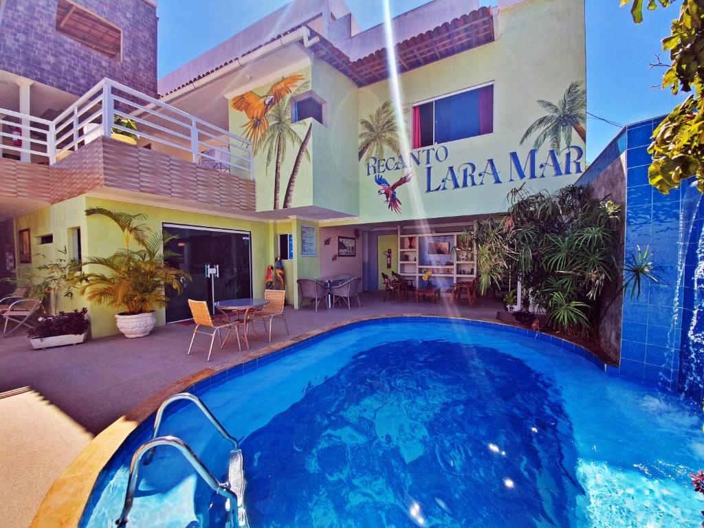 A piscina localizada em Recanto Lara Mar ou nos arredores