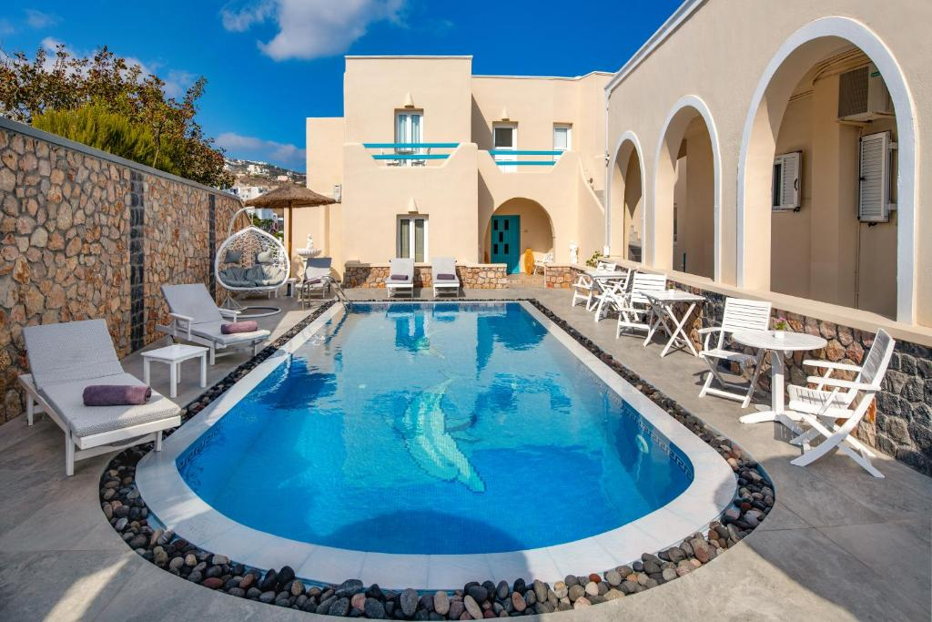 The swimming pool at or near Alizea Villas & Suites