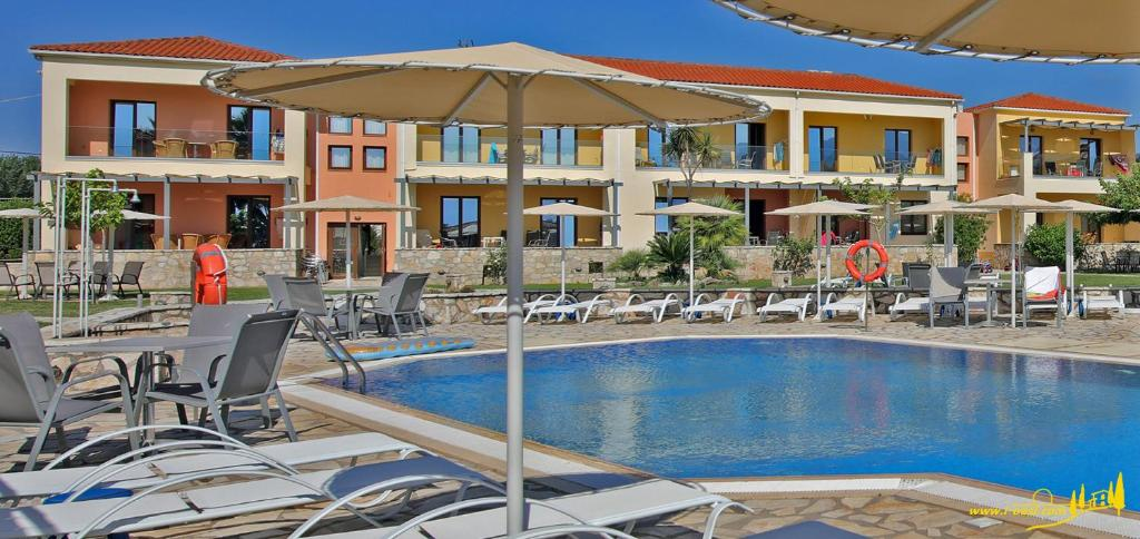 Aparthotel Oasis by the Sea (Griechenland Chiliadou ...