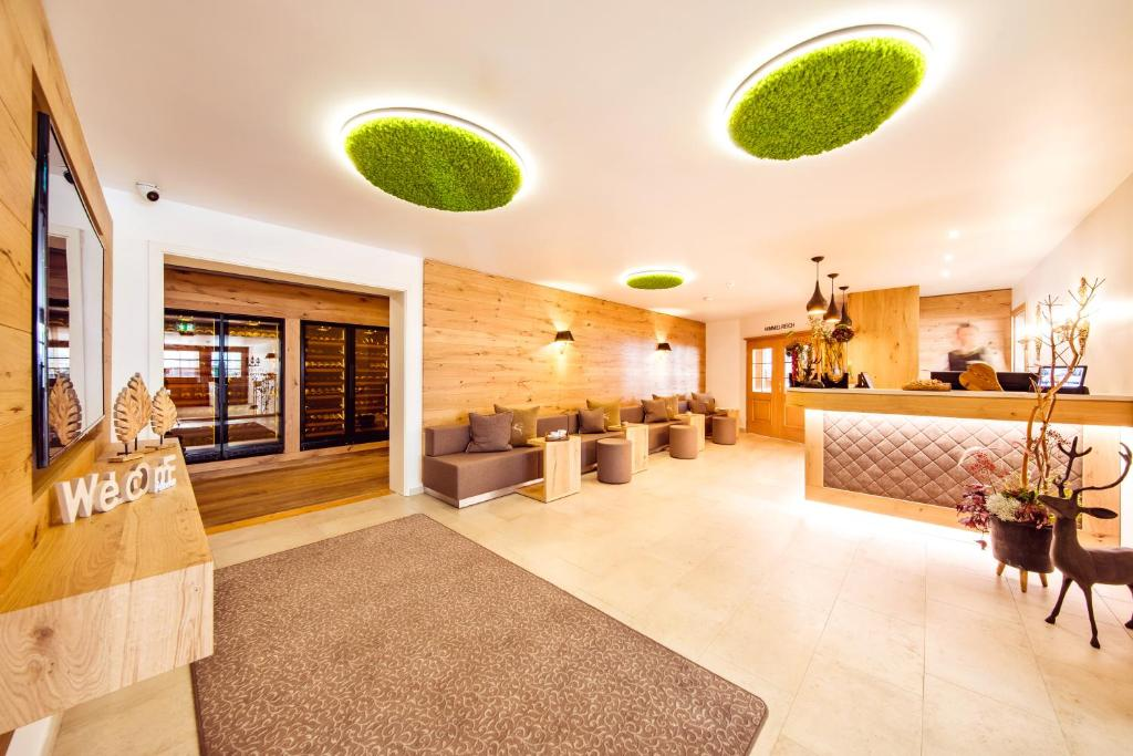 The lobby or reception area at Landgasthof Hotel Gentner