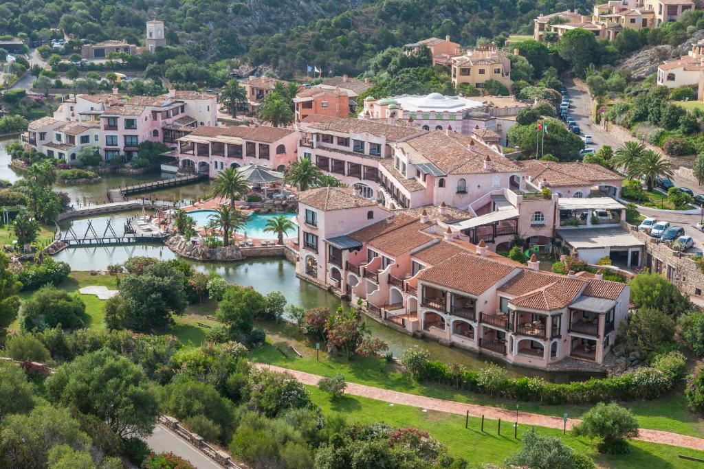 Een luchtfoto van Hotel Le Palme