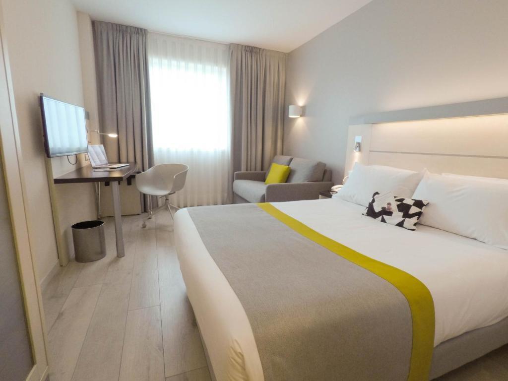 Holiday Inn Pamplona (España Mutilva Baja) - Booking.com