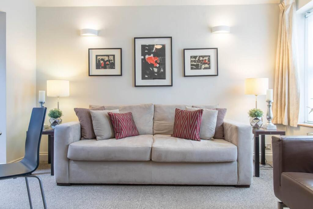 Wonderful Remodelled Flat For 4 In Maida Vale