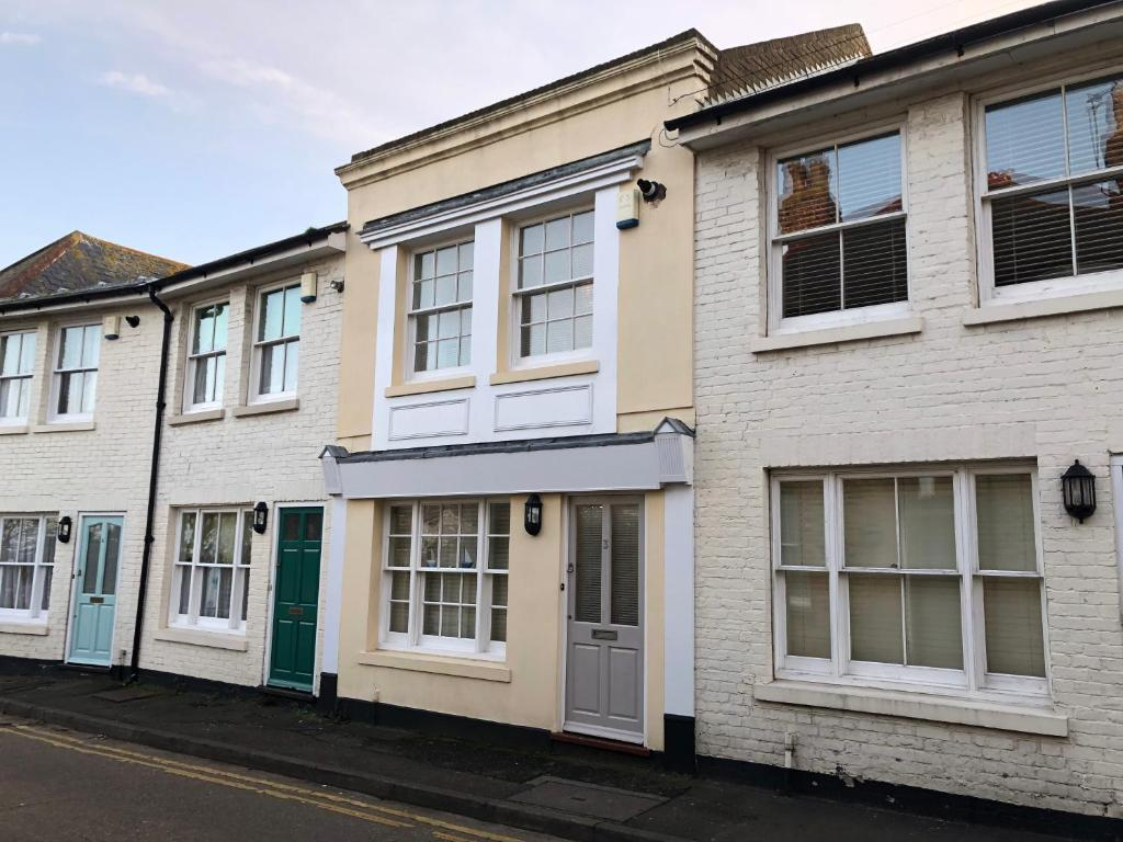 3 Harbour Mews in Whitstable, Kent, England
