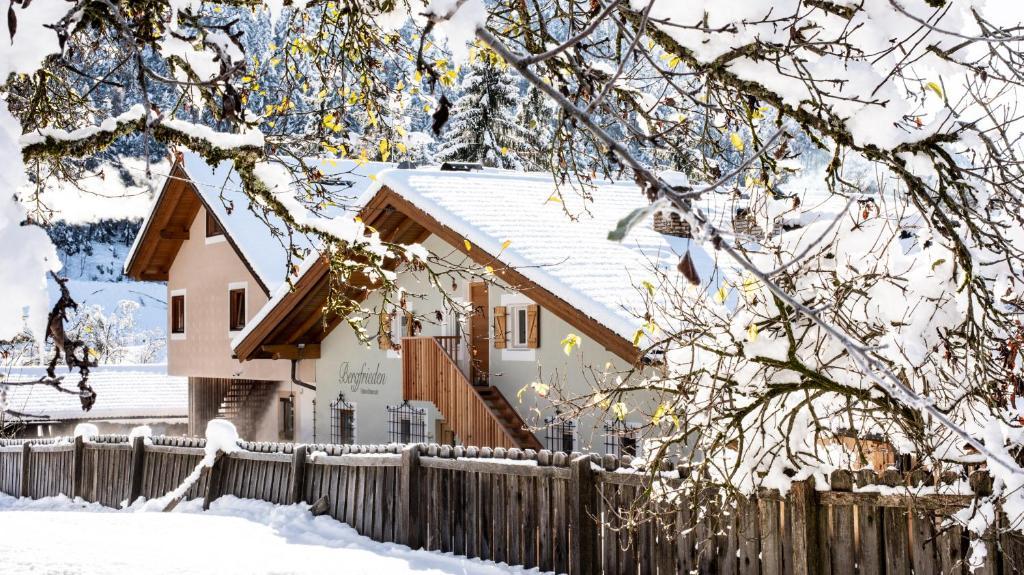 Haus Bergfrieden Seebacher im Winter