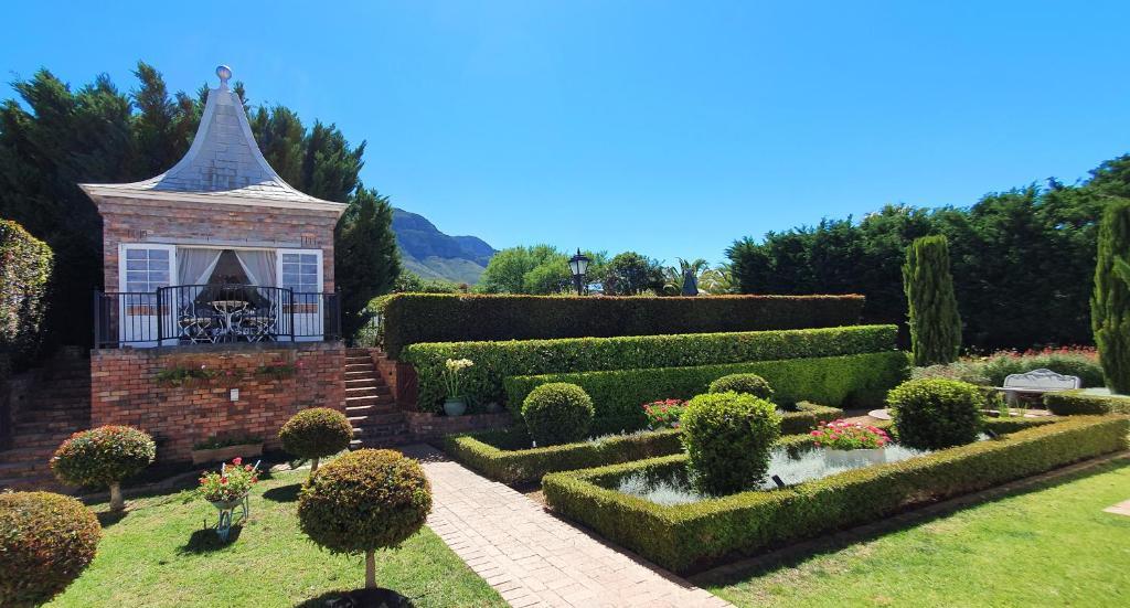 Villa Adalbert Guesthouse