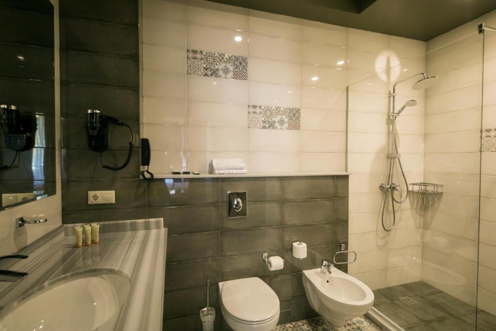 Ванная комната в VERTEX hotel