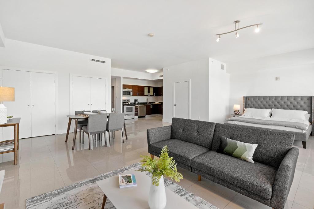 CocoStyle loft apartment*FREE parking, Miami, FL - Booking.com