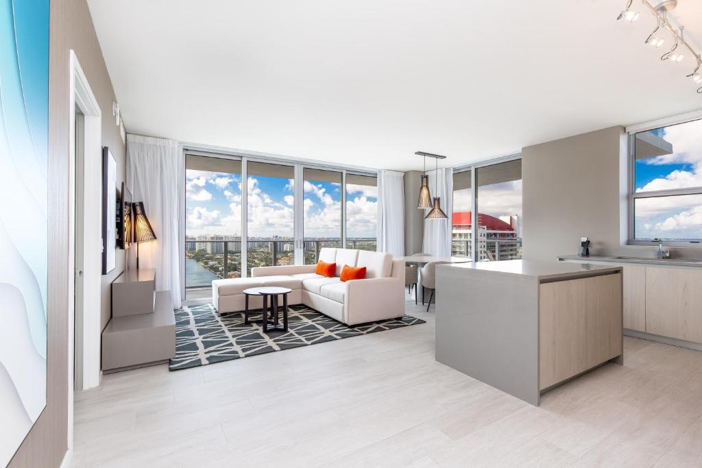 Private Ocean Condos At Hyde Beach Resort Residences