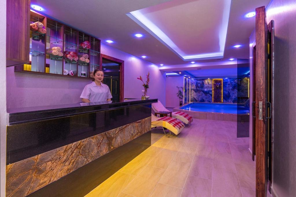 Лобби или стойка регистрации в Bekdas Hotel Deluxe & Spa