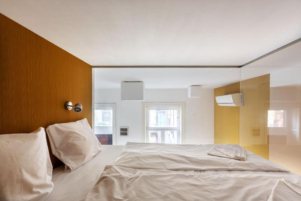 Apartment Your Slay Designer Studio in, Budapest, Hungary ...