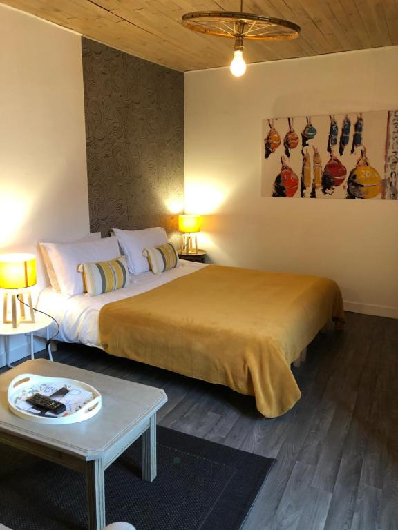 Une Chambre En Ville Saintes France Booking Com