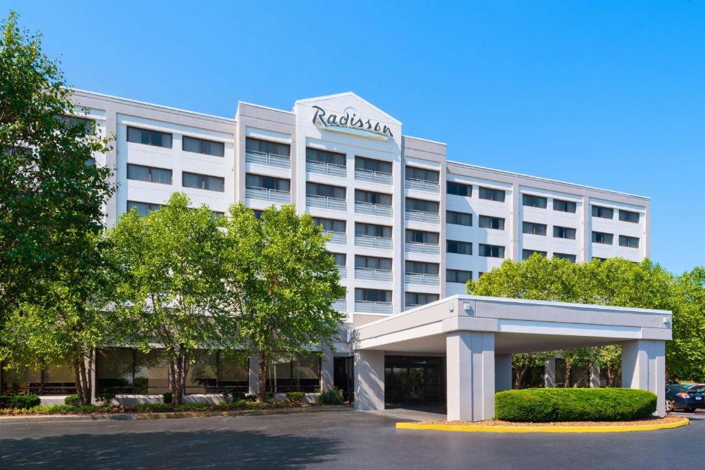 Radisson Hotel Nashville Airport.