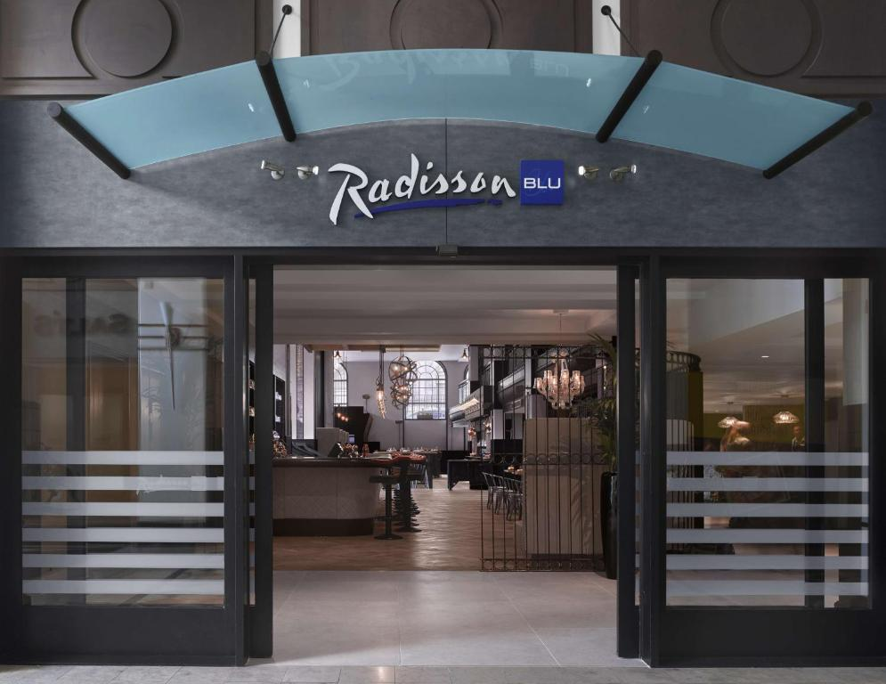 Radisson Blu Hotel Leeds Uk Bookingcom