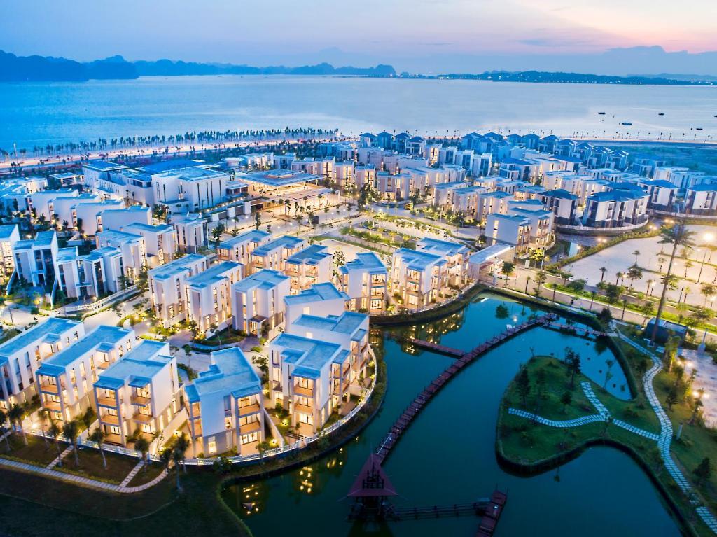 Premier Village Ha Long Bay Resort