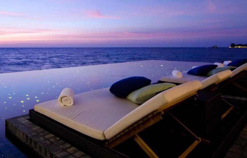 кровать на берегу моря фото был изготовлен