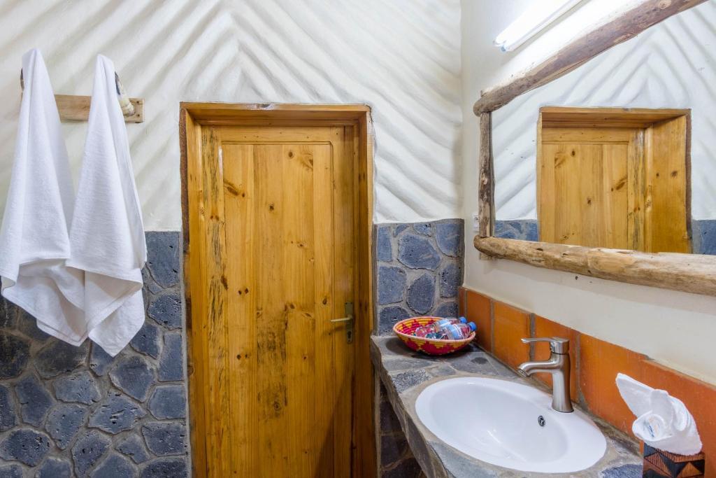 A bathroom at Kivu Paradis Resort