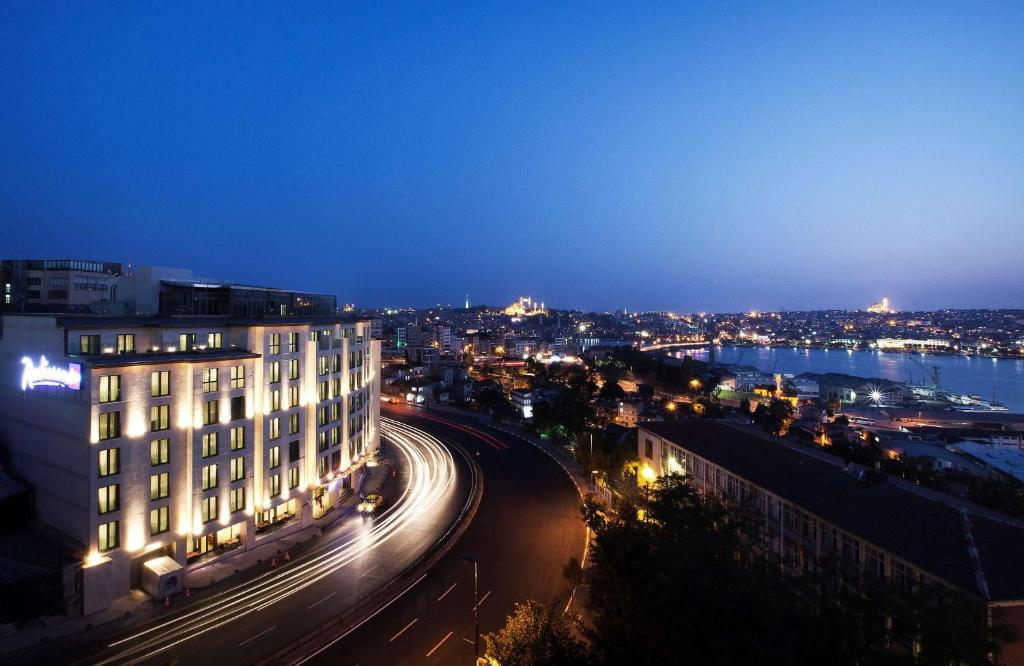 A bird's-eye view of Radisson Blu Hotel Istanbul Pera