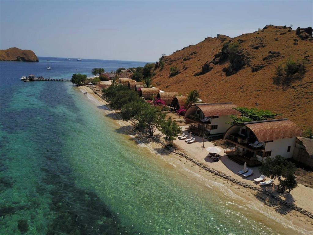 Komodo Resort Sebayur Indonesia
