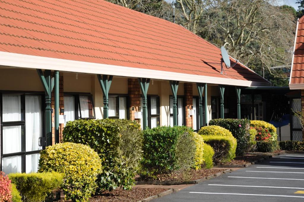 Tudor Court Motor Lodge