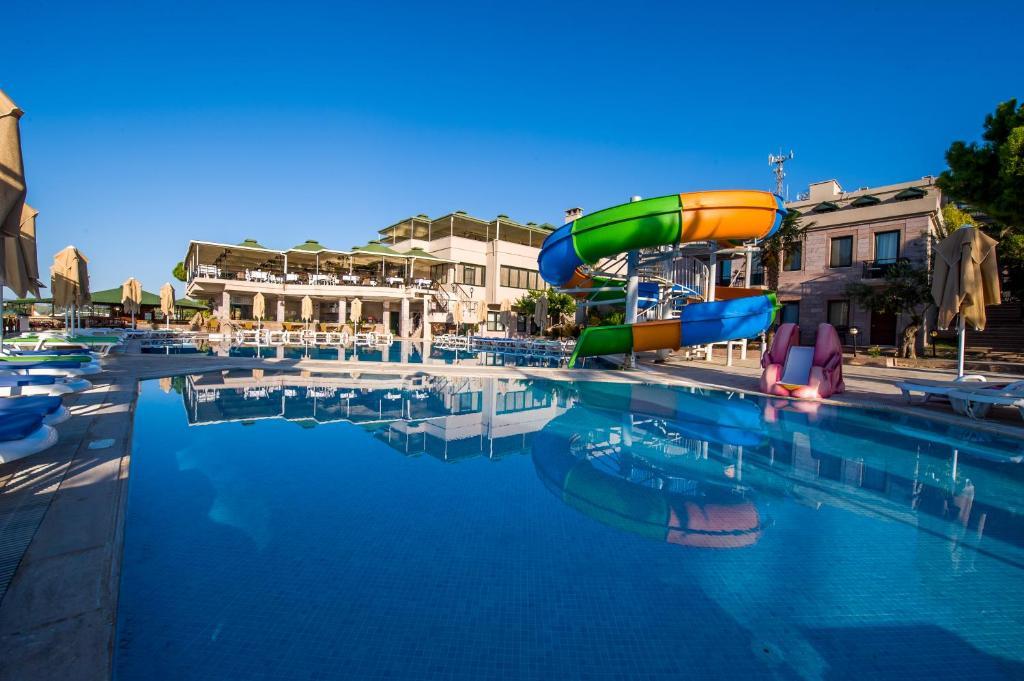 Assos Eden Gardens Hotel