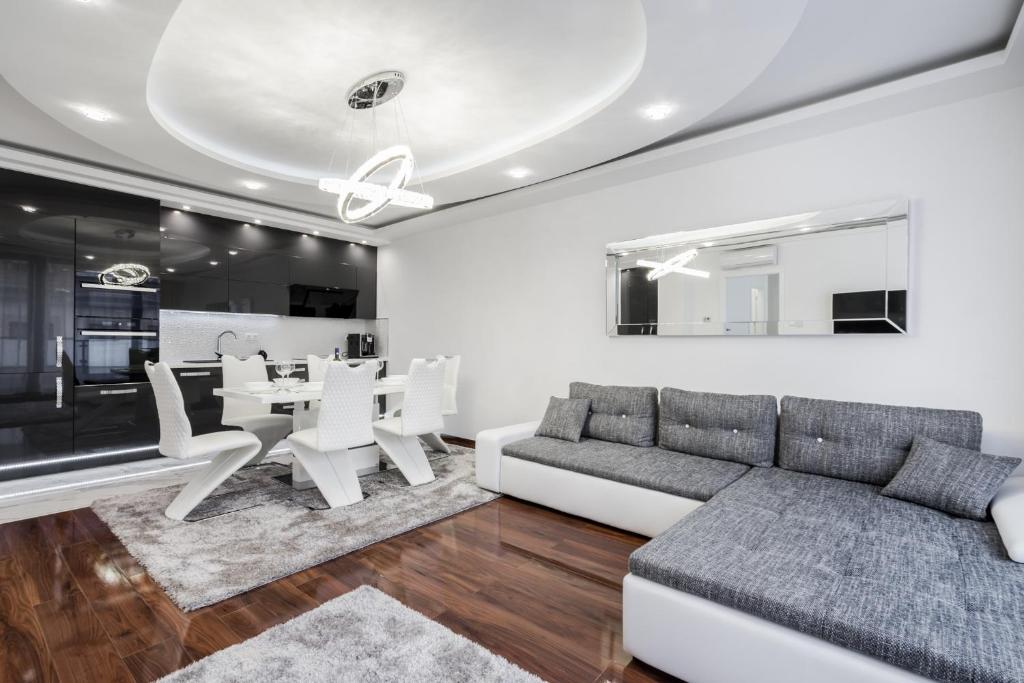 A seating area at Kiraly 44 Luxury Apartment