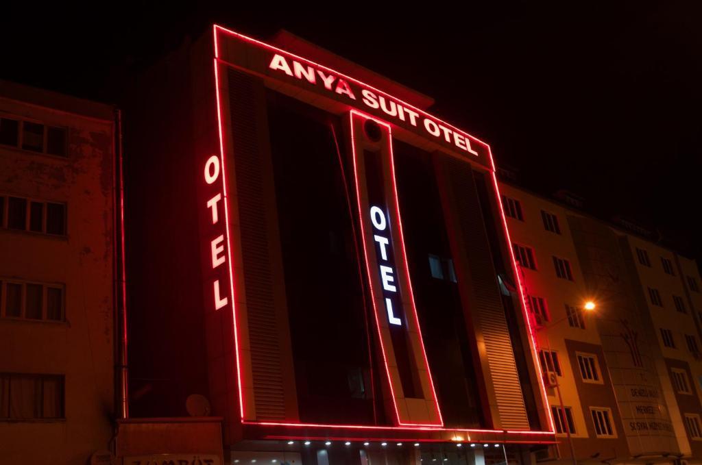 Anya Suit Otel