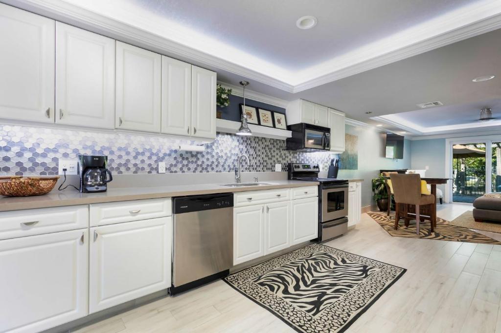 Island Hideaway Luxury Suites